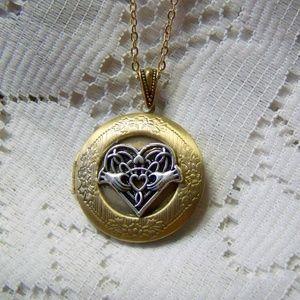 Jewelry - Celtic Heart Claddagh Locket